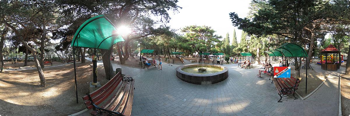 360° панорама «Фонтан в центральном сквере Фороса»