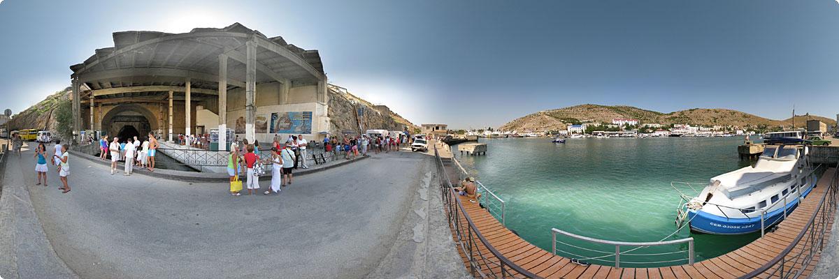 360° панорама «У входа в музей подводных лодок»